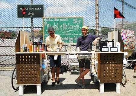 Caffetteria da strada alimentata dalle bici