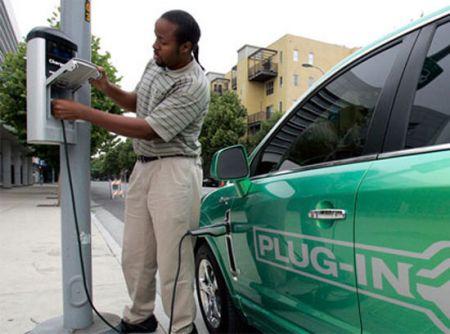 Auto Elettriche: una vera rete di rifornimento negli USA