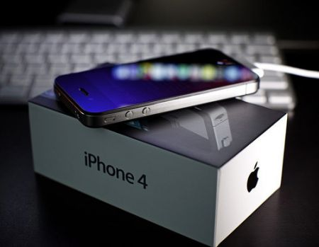 iPhone 4: venduti 1.7 milioni in 4 giorni!