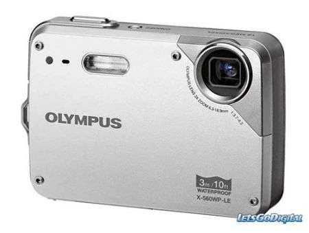 Le due nuove fotocamere waterproof di Olympus