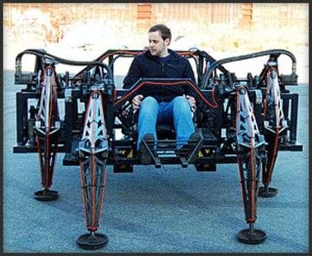 Ragno robotico gigante perfettamente guidabile