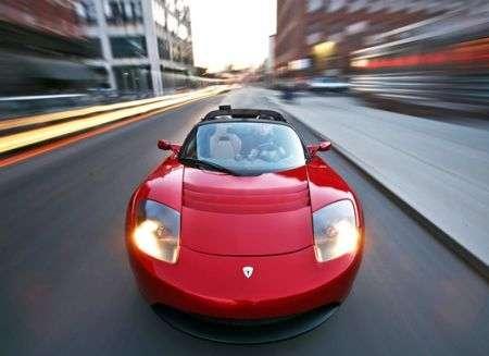 Batteria Tesla per auto elettriche Toyota, delitto perfetto?