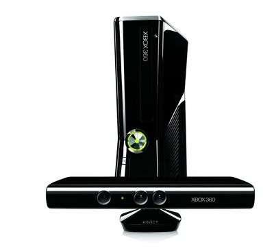 Xbox 360 Slim 250GB e Kinect preparano il botto