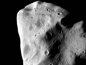 Asteroide Lutetia: la foto paparazzata dalla navicella Rosetta