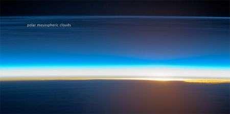 Nubi nottilucenti e alba impossibile: suggestivi scatti dallo spazio