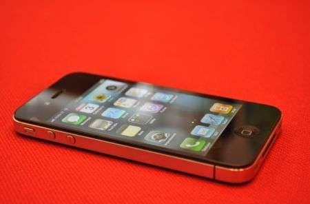 iPhone 4: la recensione sociale con pro e contro e opinioni