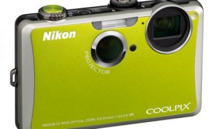 Nikon s1100pj, nuova fotocamera con proiettore