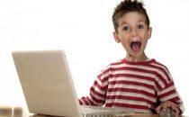 Bambini inglesi più bravi a navigare che a leggere e scrivere
