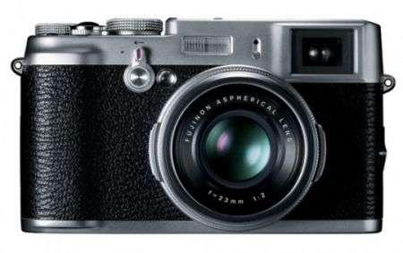 La nuova fotocamera Fujifilm per i malati di vintage