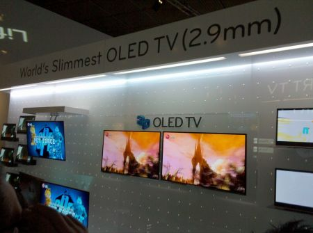 LG OLED TV da 31 pollici, è spessa solo 2.9 mm!
