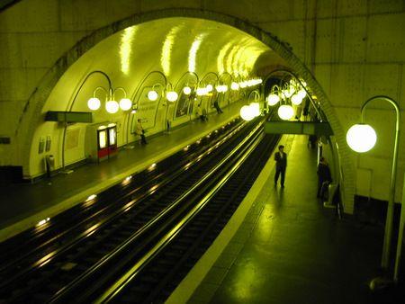 Metropolitane ecologiche: energia dai tornelli e dai treni con passeggeri