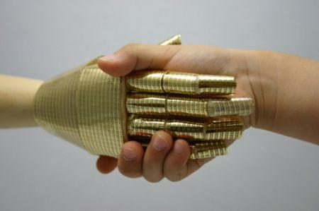 I Robot scoprono il senso del tatto con la pelle artificiale