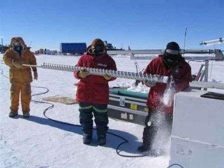 Ricercatori nell'Artico bevono acqua di 100.000 anni fa