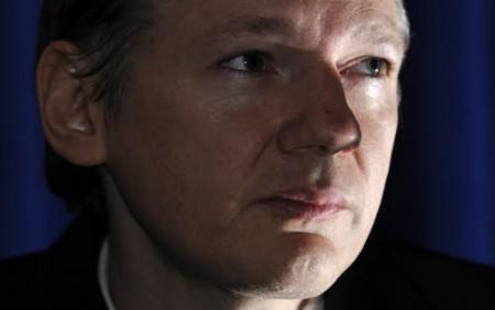 Wikileaks: 2.7 milioni di email con documenti di scenario per l'Italia