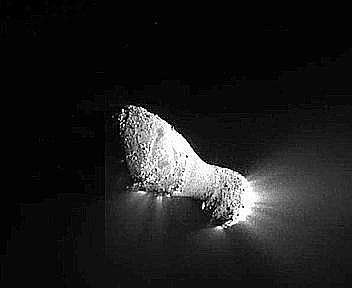 Sonda Nasa Deep Impact incontra cometa Hartley 2