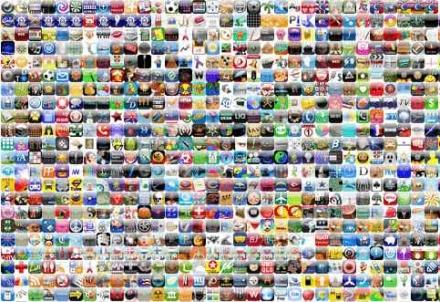 Applicazioni boom per Natale con gli Store di iPhone, Android e co.