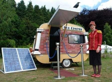 Sala cinematografica solare ambulante, la più piccola al mondo