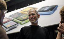Steve Jobs Ceo Apple uomo dellanno 2010 per il Financial Times