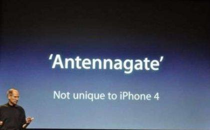 """Tech Fails 2010 di CNN: """"vince"""" l'Antennagate di iPhone 4"""