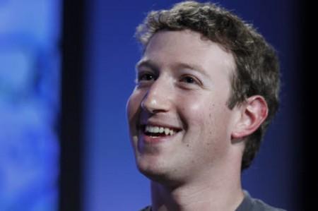 Facebook: hacker vìola la pagina fan di Zuckerberg