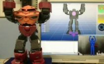 Kinect: hack spettacolare per controllare un robot umanoide