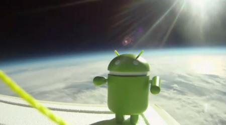 Smartphone Android nello spazio collegato a un satellite