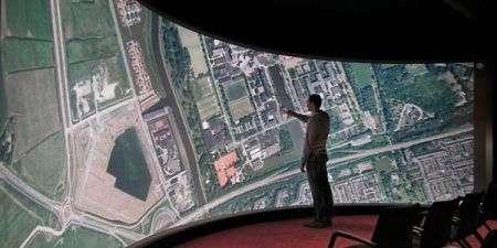 Touch Screen da 10 metri e 3D senza occhiali da 200″!