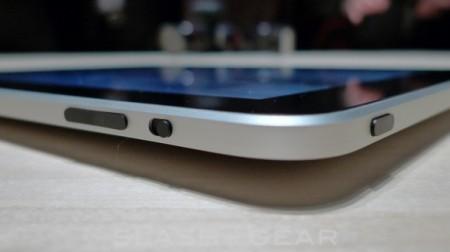 Nuovo iPad 2 più sottile, veloce, ma con schermo standard