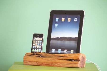 Docking station in legno di cedro per iPad e iPhone/iPod