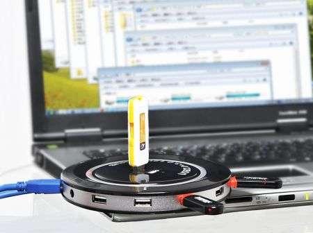 USB: ecco l'HUB per i maniaci di periferiche