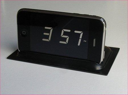 iPhone 4: lo scherzetto della sveglia si ripete