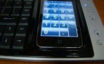 Accessori iPhone: WoW-Keys tastiera/dock integrante