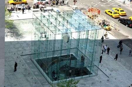 Gli Apple Store compiono dieci anni e festeggiano in tutto il mondo