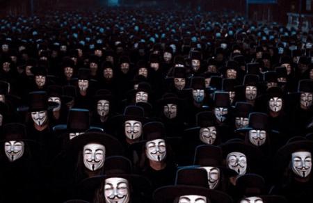 Gli hacker Anonymous ritornano con le loro scorribande