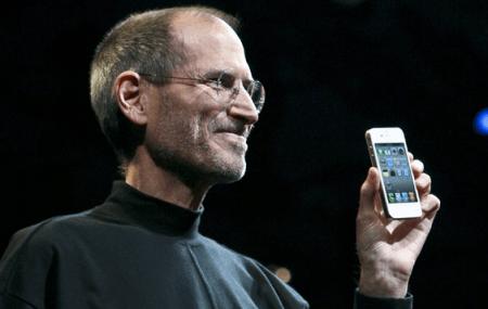 E se iPhone 5 e iPhone 4S uscissero contemporaneamente?