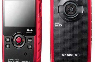 La fotocamera digitale subacquea Samsung W200, ideale per l'estate