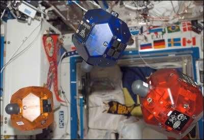 Anche i Nexus S sullo Shuttle come cervelli dei robot Spheres!