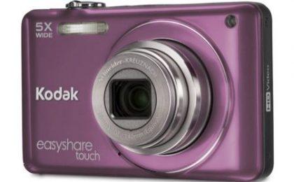 La nuova colorata fotocamera Kodak Easyshare Touch