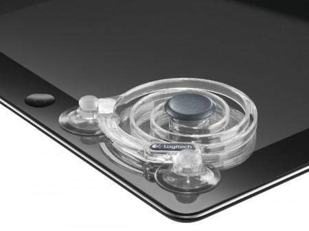 Gli accessori per iPad di Logitech: la tastiera pieghevole e il joystick a ventosa