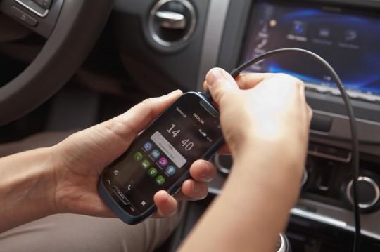 """Con Nokia Car Mode gli smartphone """"parlano"""" agevolmente con l'auto"""