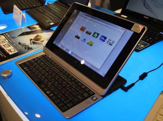 Anche Fujitsu presenta un tablet slider con tastiera!