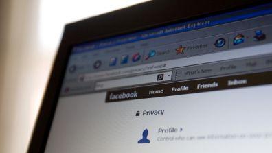 I profili ombra su Facebook: i colpi bassi di Zuckerberg?