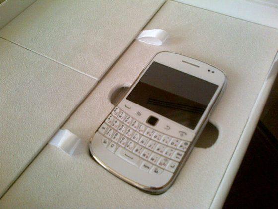 Blackberry Bold 9900 in versione bianca appare