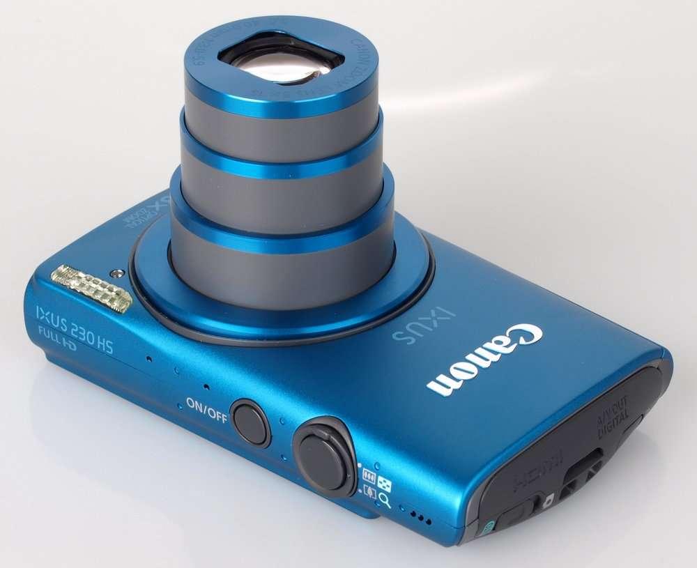 La fotocamera Canon Ixus 230 con super zoom da 8x