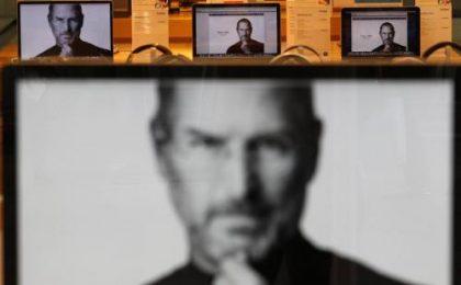 """Morte Steve Jobs: i messaggi di cordoglio di """"rivali"""" e colleghi"""