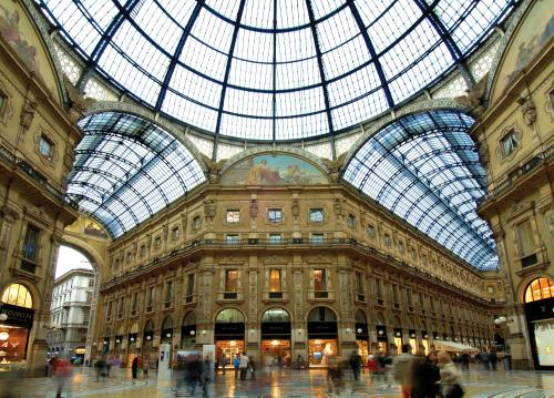 Niente Apple Store a Milano, l'offerta avara premia Prada