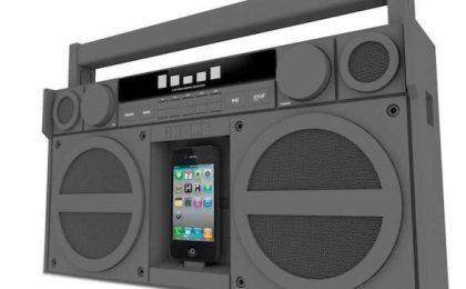 Il dock iPhone iHome iP4 stile stereo del ghetto
