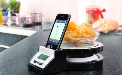 Idee regalo tech: la bilancia Ade Joy con dock iPhone/iPod