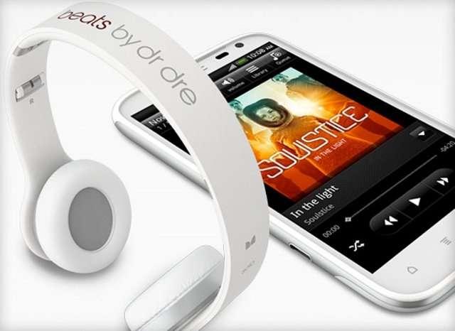 HTC e Vodafone calano gli assi: ecco Titan, Explorer e Sensation XL