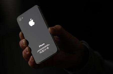 iPhone 4S in evidente calo di vendite, troppo caro?